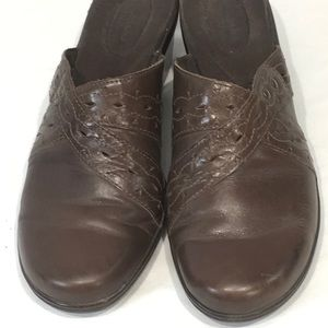 Clarks Addy Trust Brown Clog Mules Leather 10M